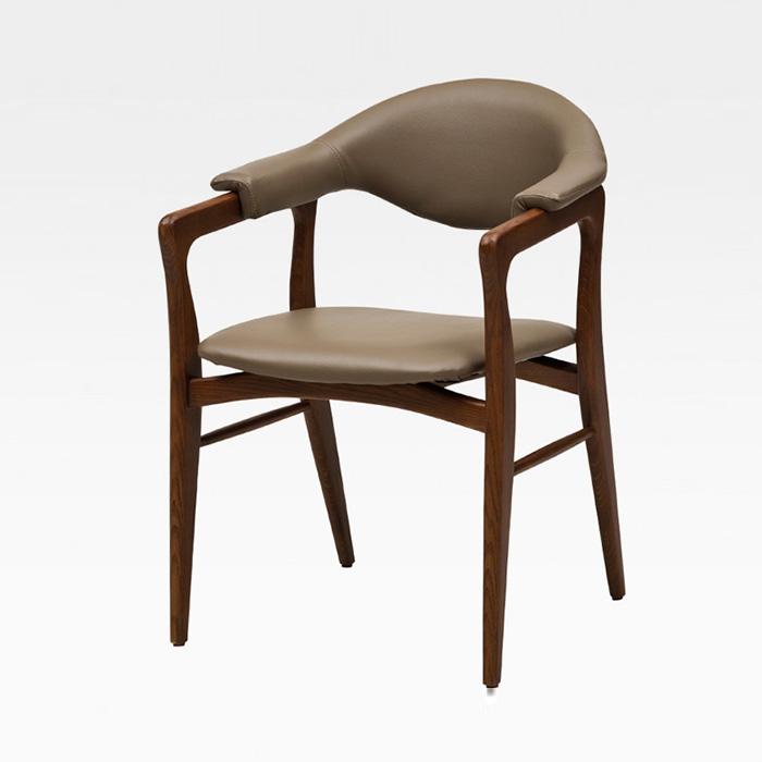 HUW 오지 의자